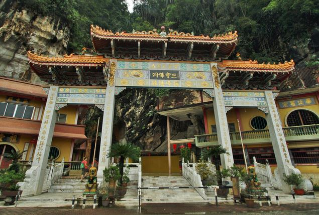 Tempio Sam Poh Tong 3