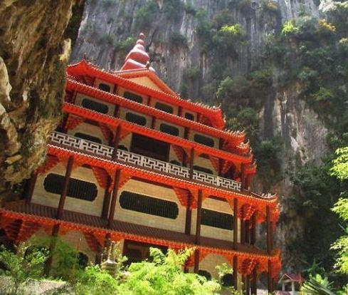 Tempio Sam Poh Tong 4