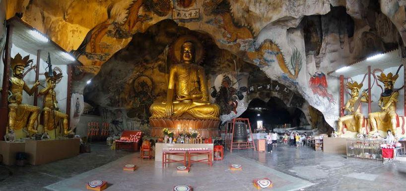 Tempio Sam Poh Tong 5