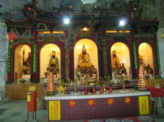 Tempio Sam Poh Tong 7