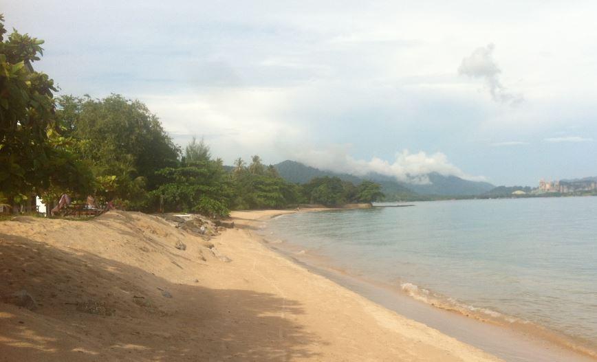 Langkawi_ham-beach_early_morning